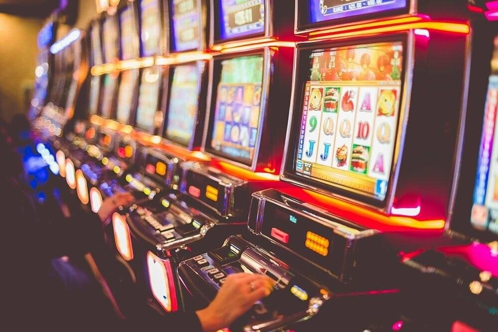 Игровые автоматы онлайн - как и где играть в слоты